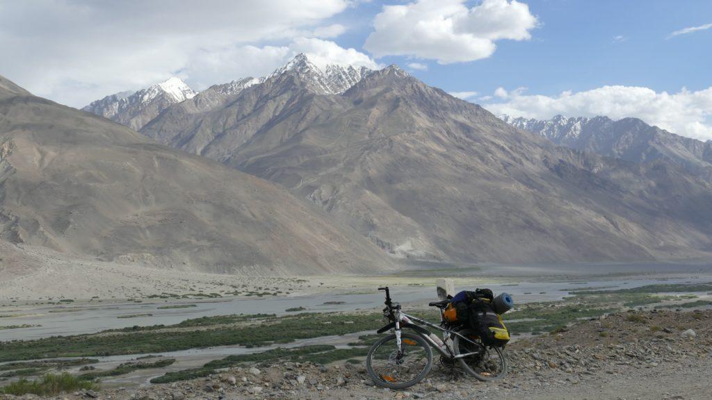 Велосипед экспедиции в 2018 году на Памирском тракте